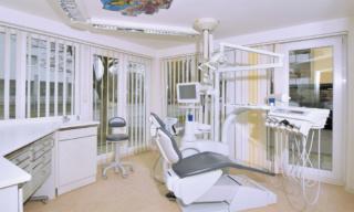 Zahnarzt Germering - Ronny Kauley - Praxisimpressionen - Behandlungszimmer 2
