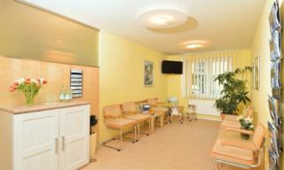 Zahnarzt Germering - Ronny Kauley - Praxisimpressionen - Wartezimmer